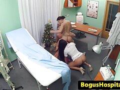 لعنتی در این اتاق خانمها در عکس سکسی زنانچاق حالی که شخصی در حال تماشای است