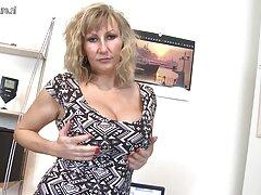 دو تاجر عکس های کاملا سکسی از زن عشق می خواهند