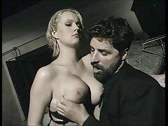 همسر تصاویر داغ سکسی داغ در یک خروس محکم می شود